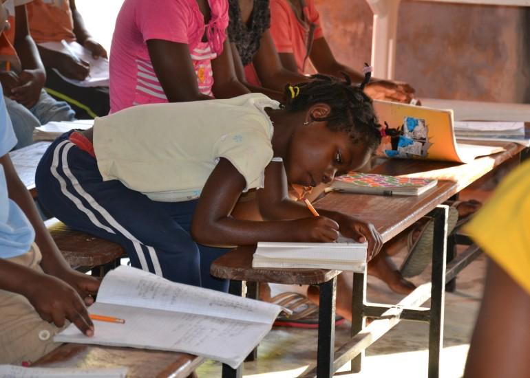 """Comivis – """"Alimentiamo la speranza!"""" Realizzazione e avviamento di centri nutrizionali e orti comunitari a Maputo"""