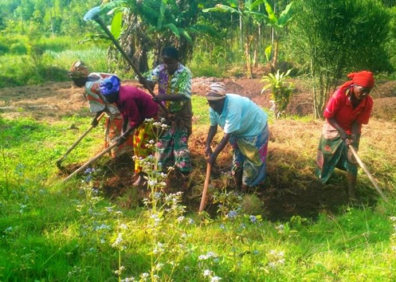 Amici dei Popoli – Da vedove di guerra a donne promotrici di sviluppo
