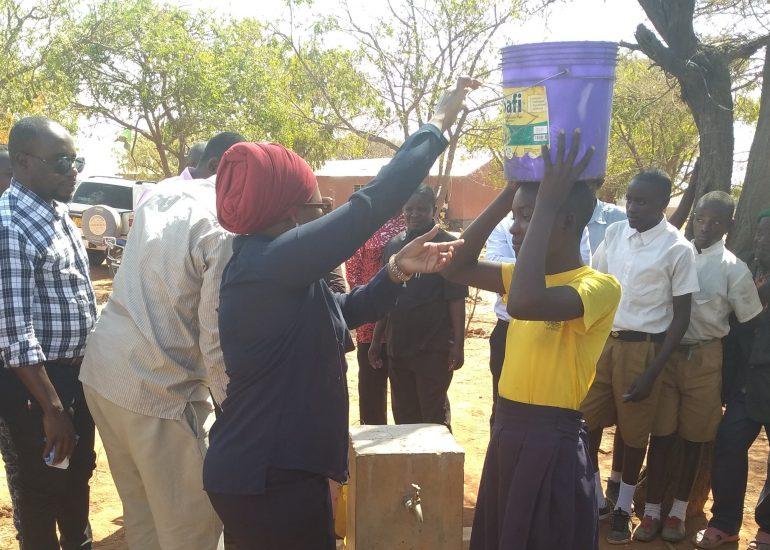 """CMSR – """"Maji safi – Acqua pulita nel Distretto di Bahi, Tanzania"""""""